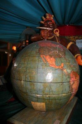 globe-011