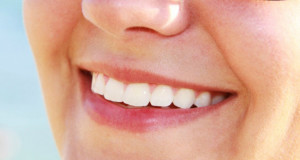 whiten-teeth-naturally-1024x692